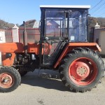 Tractor Universal 445, anvelope fata + spate toate noi